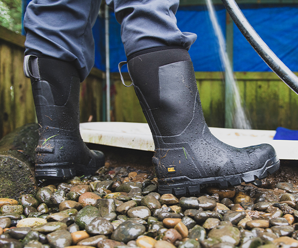 Rocking some waterproof CAT stormers and staying dry on a wet day.